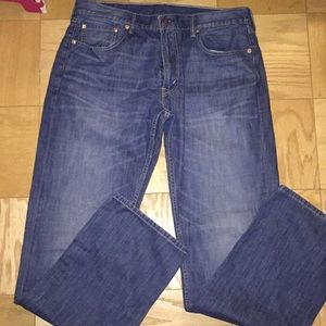 Men's Levi's 559Jeans, relaxed straight fit.